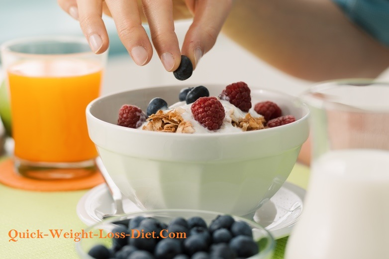 cereal_with_fresh_fruit_and_jogurt